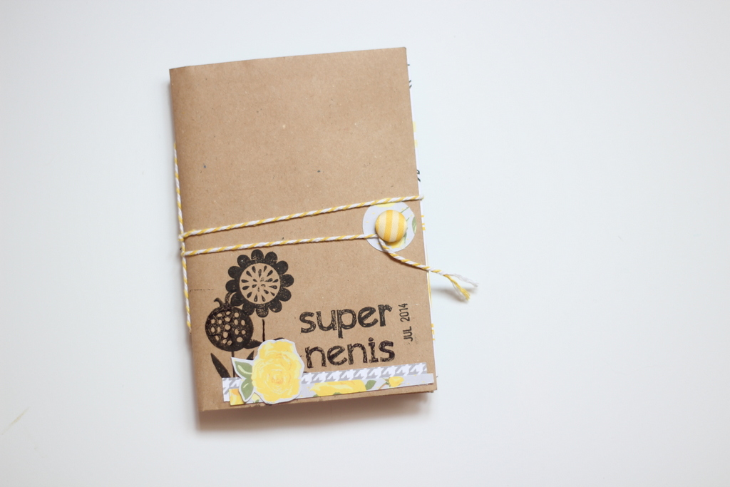 Mini Album Super Nenis scrapbooking
